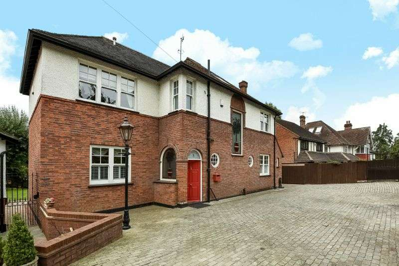 6 Bedrooms Detached House for sale in Oxhey Road, Watford