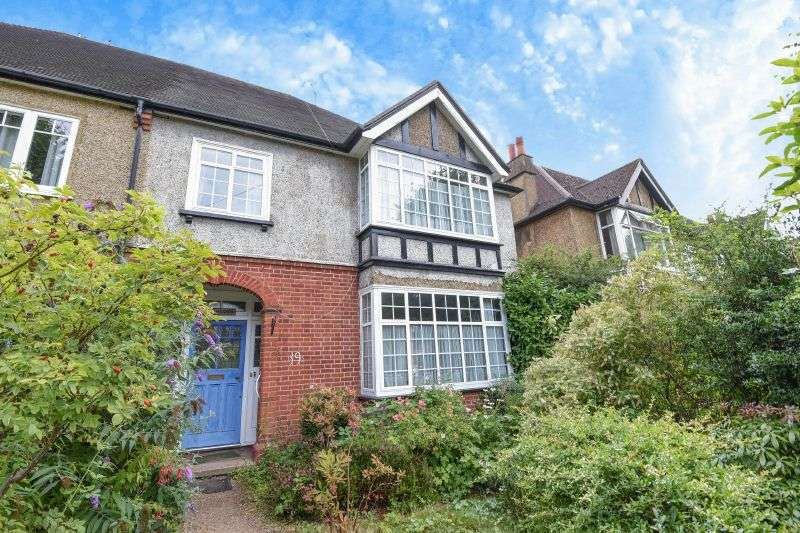 4 Bedrooms Semi Detached House for sale in Murray Road, Northwood