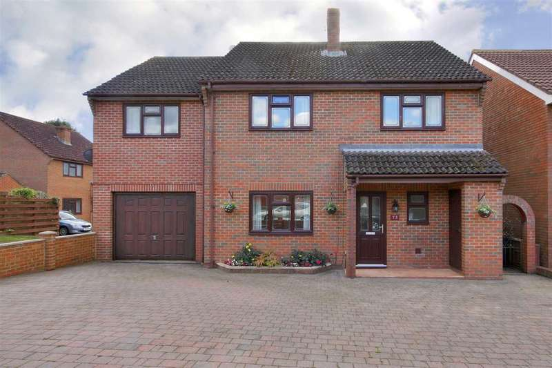 4 Bedrooms Detached House for sale in Mercia Avenue, Charlton, Andover