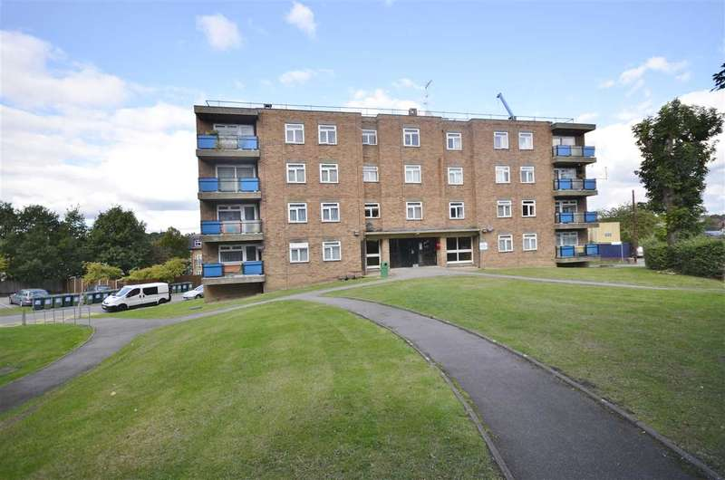 2 Bedrooms Apartment Flat for sale in The Homestead, Waterfall Road, London