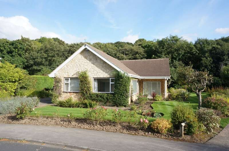 3 Bedrooms Detached Bungalow for sale in The Dell, Bardsey, LS17