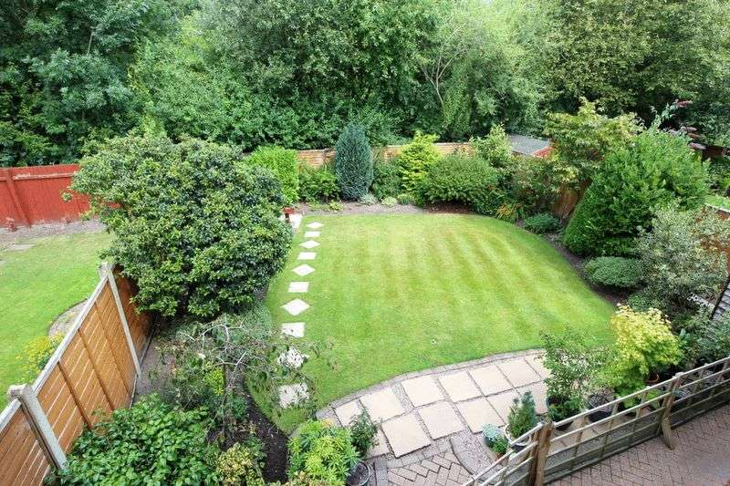 4 Bedrooms Detached House for sale in Charlcote Crescent, Wistaston
