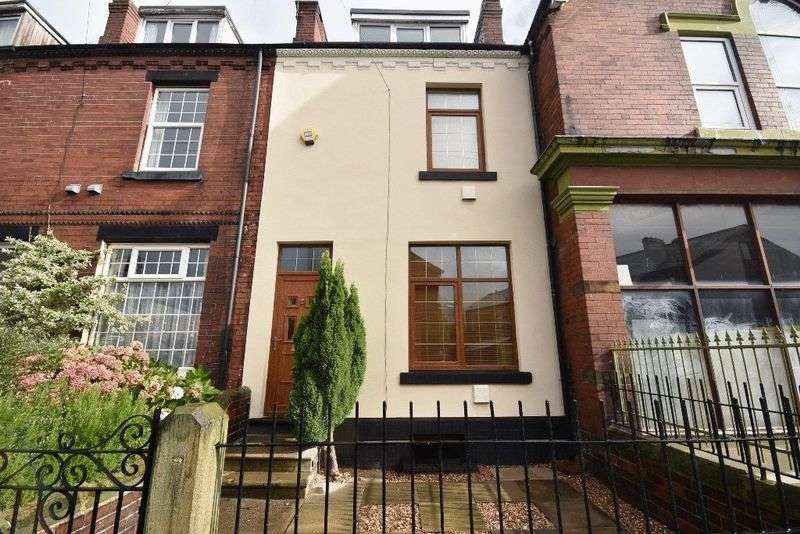 4 Bedrooms Terraced House for sale in Stanhope Grove, Thorpe