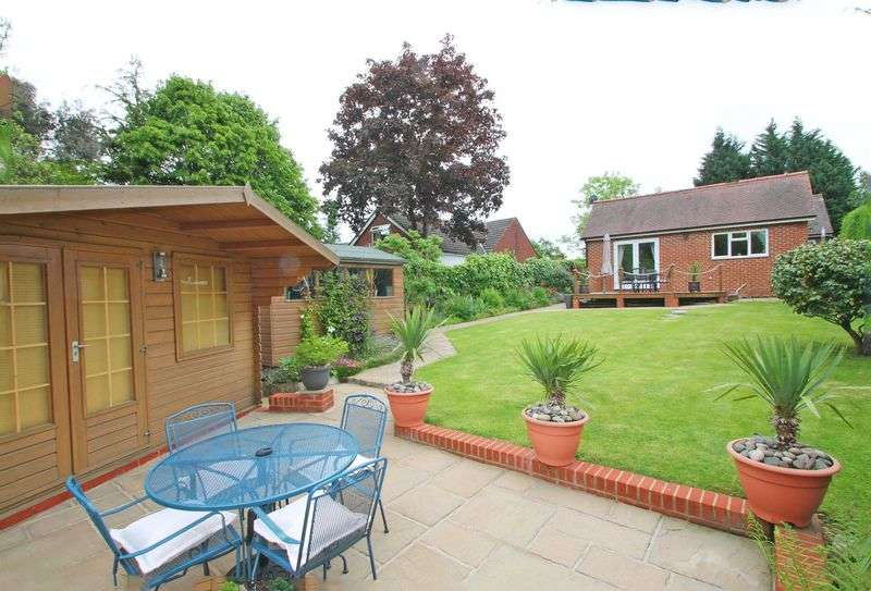 4 Bedrooms Detached Bungalow for sale in Colts Hill, Five Oak Green