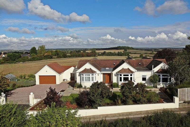 4 Bedrooms Detached Bungalow for sale in The Haywain, Pulloxhill