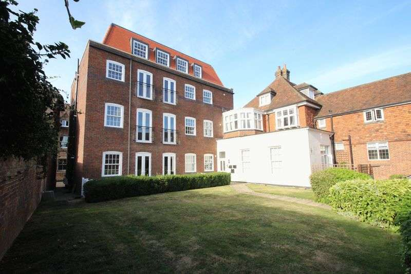 2 Bedrooms Flat for sale in Apartment 1, CASTLE HOUSE, East Street, Tonbridge