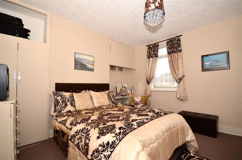 3 Bedrooms Terraced House for sale in Boundary Road, Ramsgate, Kent