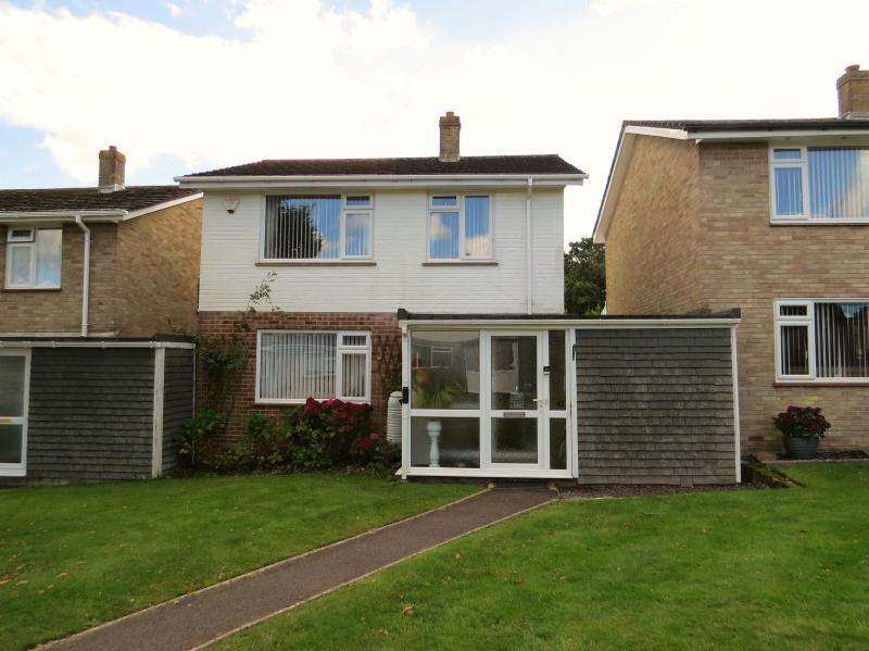 3 Bedrooms Detached House for sale in Ferndale Road, NEW MILTON, BH25