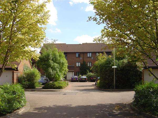 1 Bedroom Apartment Flat for sale in 'Braybourne Drive', Osterley