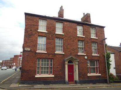 House for sale in Great King Street, Macclesfield, Cheshire