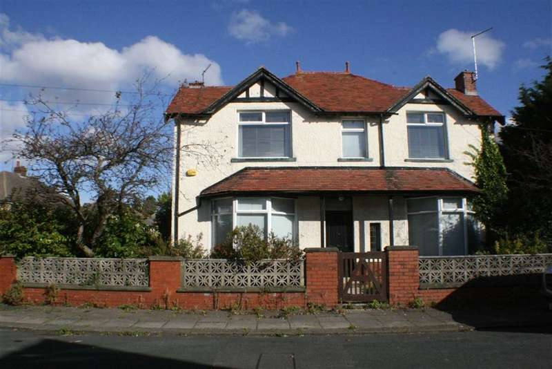 Detached House for sale in Derwent Avenue, Morecambe