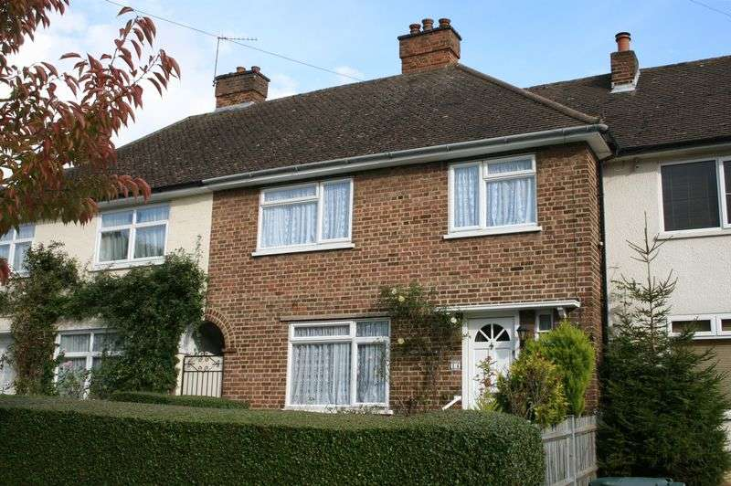 3 Bedrooms Terraced House for sale in Close to Sought After Schools Mill Hill NW7