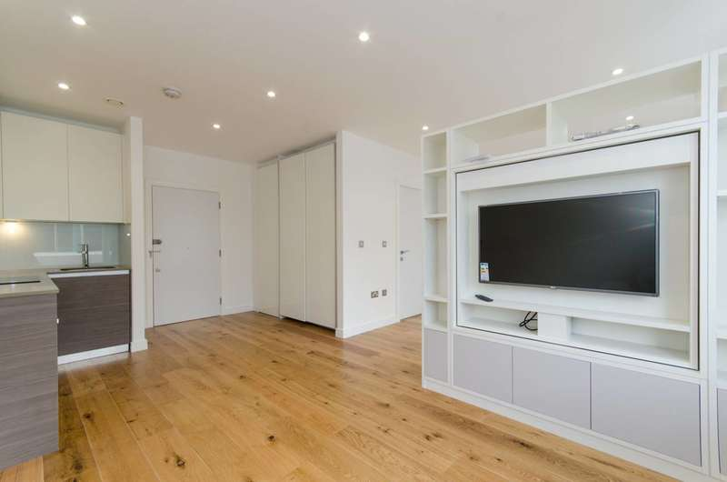 Studio Flat for sale in Central House, Hounslow, TW3