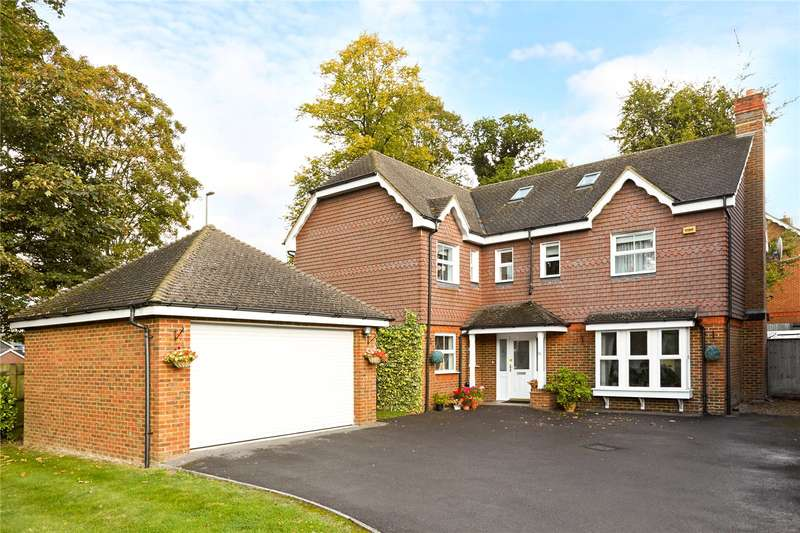 5 Bedrooms Detached House for sale in Quarry Gardens, Leatherhead, Surrey, KT22