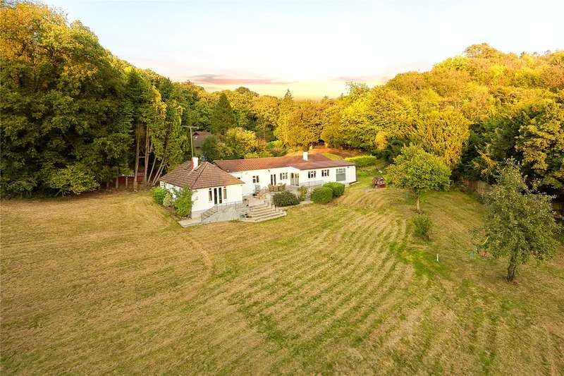 5 Bedrooms Detached House for sale in Tinkerpot Lane, Knatts Valley, Sevenoaks, Kent, TN15