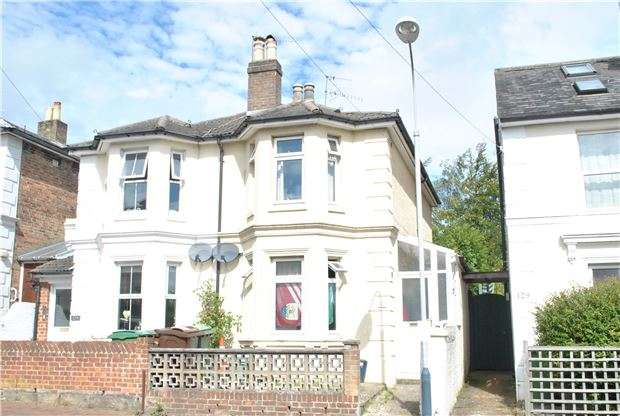 3 Bedrooms Semi Detached House for sale in Queens Road, TN4 9JY