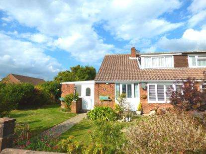 3 Bedrooms Bungalow for sale in Gosport, Hampshire
