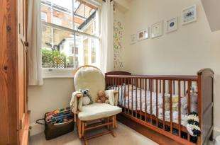 2 Bedrooms Flat for sale in Manor Park, Hither Green, London, Greater London