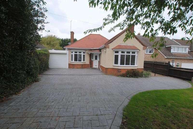 3 Bedrooms Detached Bungalow for sale in Irchester Road, Rushden