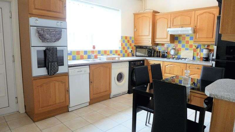 2 Bedrooms Terraced House for sale in Clarence Street, Farnworth