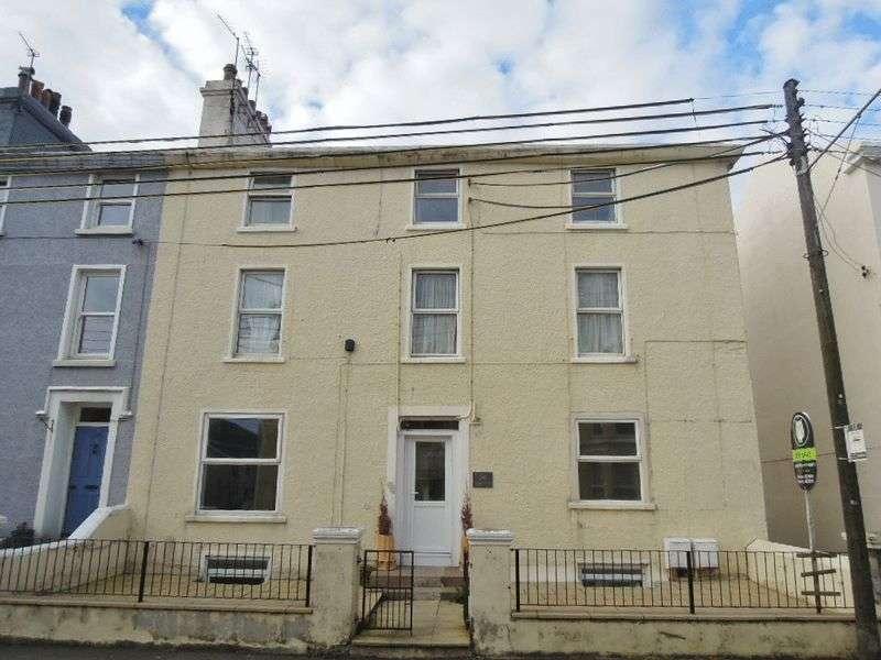 3 Bedrooms Flat for sale in Waterloo Road, Ramsey