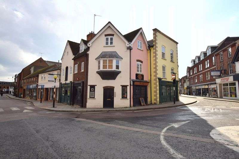 2 Bedrooms Flat for sale in Buckingham Street, Aylesbury