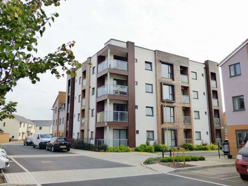 2 Bedrooms Flat for sale in Lime Tree Avenue, Gloucester