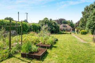 3 Bedrooms Bungalow for sale in Lynsted Lane, Lynsted, Sittingbourne, Kent