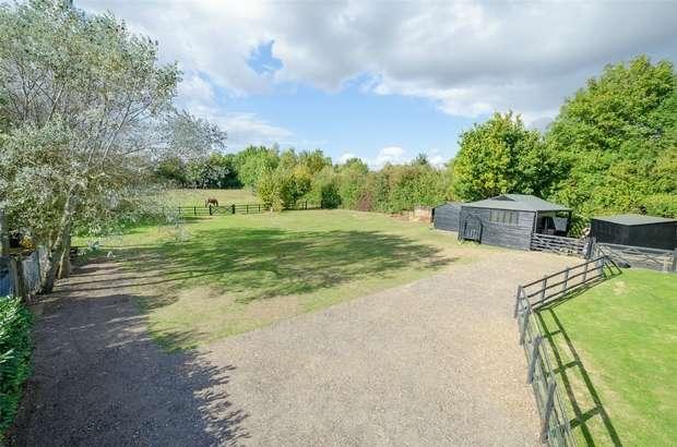 5 Bedrooms Detached House for sale in Hillside Lane, Arrington, Royston, Cambridgeshire