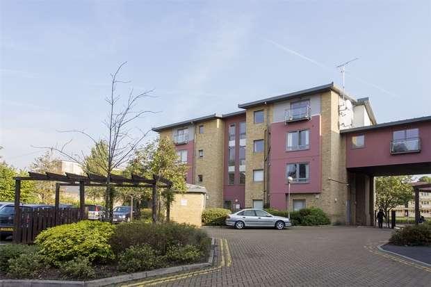 1 Bedroom Flat for sale in Crown Close, Winkfield Road, Wood Green, N22