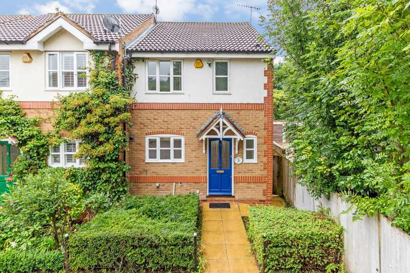 3 Bedrooms End Of Terrace House for sale in Canal Court, Berkhamsted
