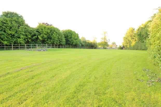 6 Bedrooms Land Commercial for sale in Hilltop Road, Acton Bridge, Cheshire, CW8 3RA