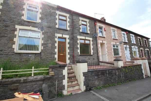 3 Bedrooms Terraced House for sale in Brewery Street, Ferndale, Mid Glamorgan, CF43 3LL