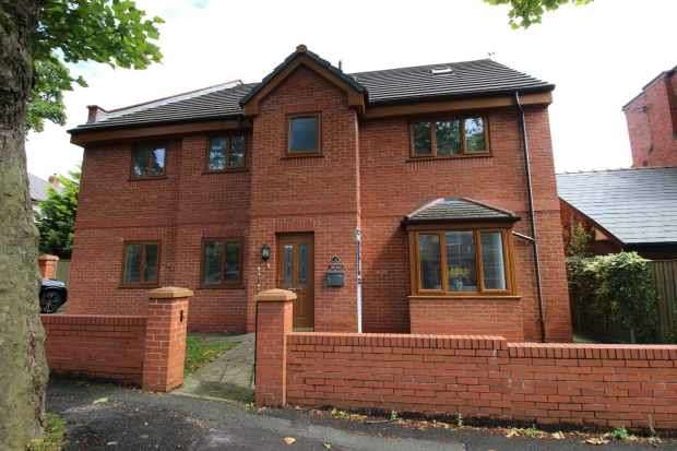 4 Bedrooms Detached House for sale in Albany Avenue, Prescot, Merseyside, L34 2QW