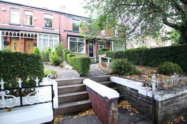 3 Bedrooms Terraced House for sale in Gilnow Road,, Bolton, Greater Manchester, BL1 4LJ