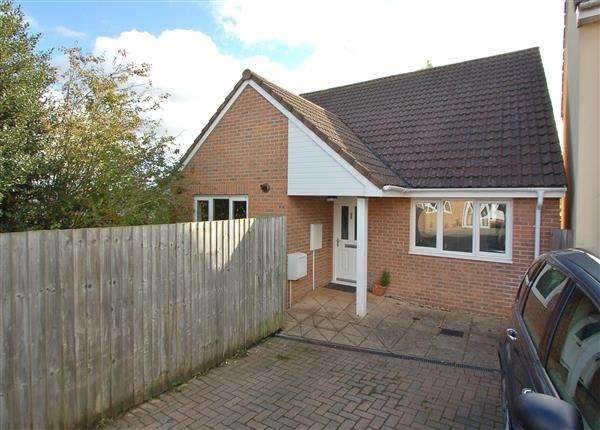 3 Bedrooms Detached Bungalow for sale in PRINCESS ROYAL ROAD, BREAM