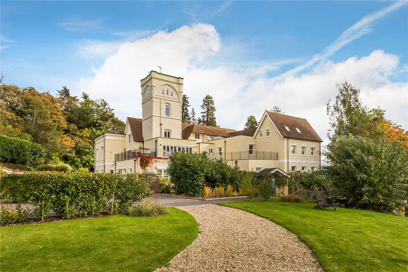 3 Bedrooms Flat for sale in Lyttel Hall, Coopers Hill Road, Nutfield, RH1