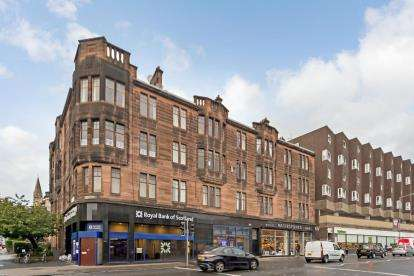 3 Bedrooms Flat for sale in Byres Road, Hillhead