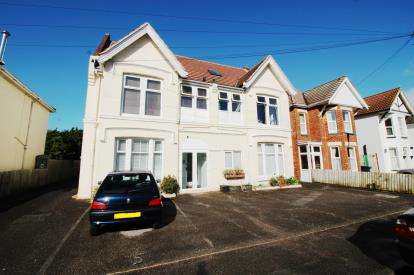 2 Bedrooms Flat for sale in 108 Parkwood Road, Bournemouth, Dorset