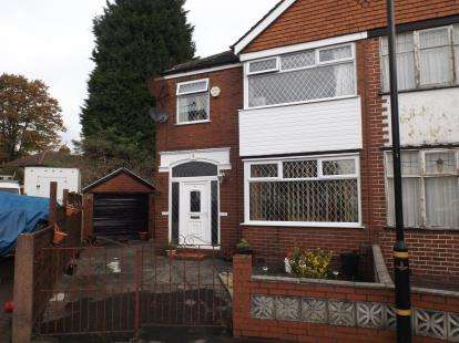3 Bedrooms Semi Detached House for sale in Hope Avenue, Stretford, Manchester, Greater Manchester