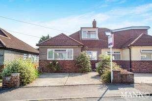 3 Bedrooms Bungalow for sale in Beechenlea Lane, Swanley, Kent