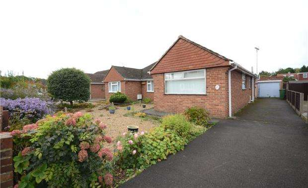 3 Bedrooms Semi Detached Bungalow for sale in Watts Road, Farnborough, Hampshire