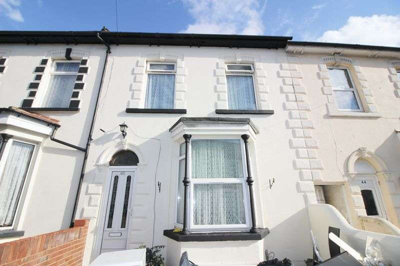 3 Bedrooms Terraced House for sale in Kingswood Road, Gillingham