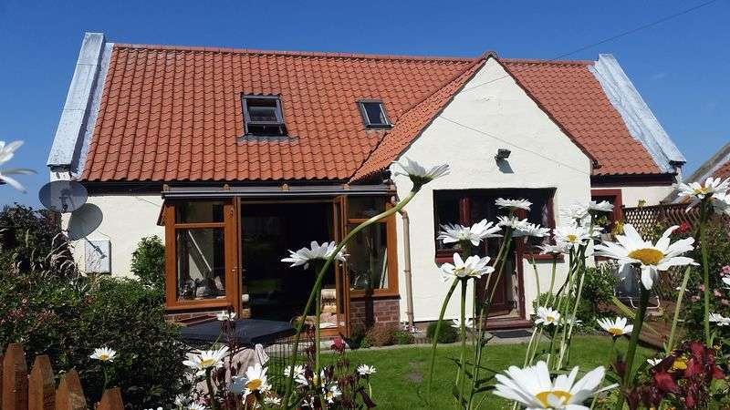 4 Bedrooms Semi Detached House for sale in Main Street, Berwick-Upon-Tweed