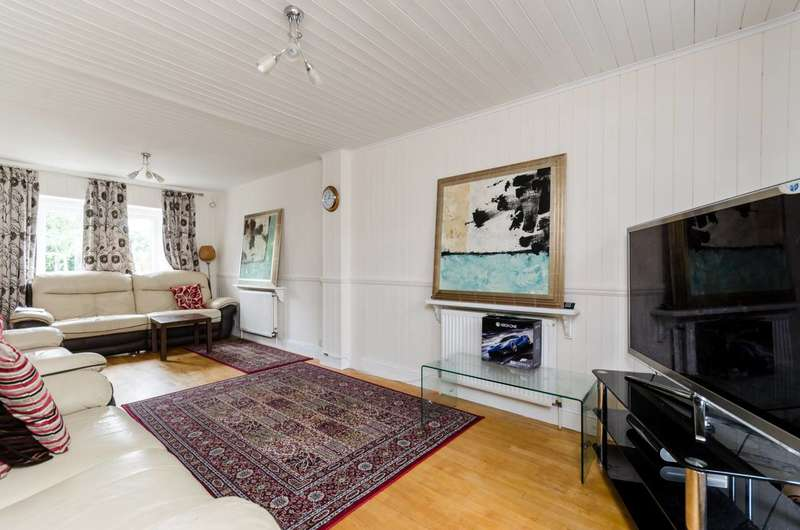 3 Bedrooms House for sale in Keswick Avenue, Kingston Vale, SW15