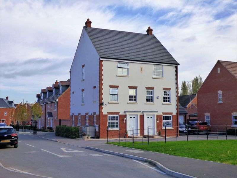 4 Bedrooms House for sale in Goose Bay Drive Kingsway, Gloucester