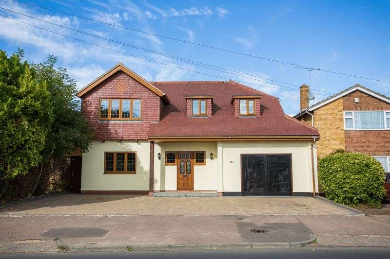5 Bedrooms Detached House for sale in Green Lane, Leigh-On-Sea