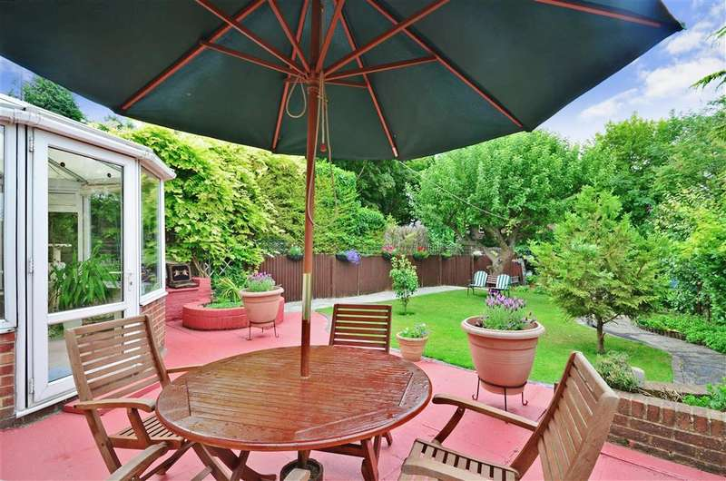 3 Bedrooms Semi Detached House for sale in Whitefield Avenue, Purley, Surrey