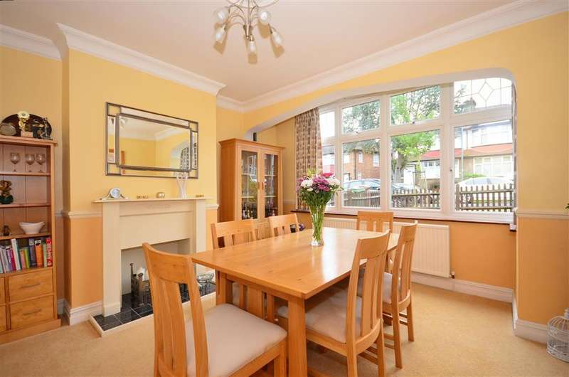 3 Bedrooms Semi Detached House for sale in Iberian Avenue, Wallington, Surrey