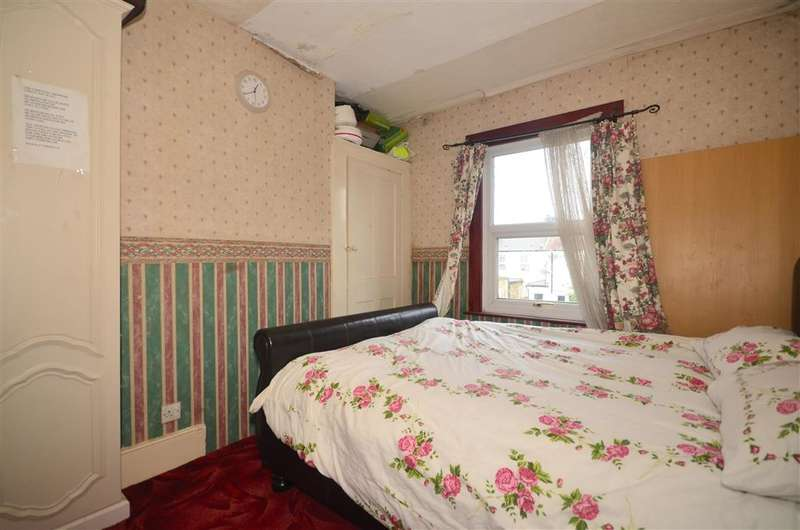 2 Bedrooms Terraced House for sale in Stewart Road, Stratford